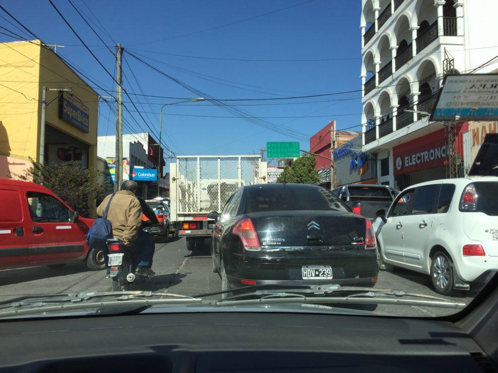 Salta's chaotischer Verkehr