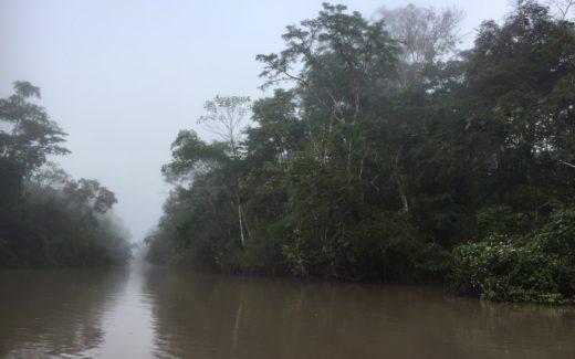 auf dem Fluss unterwegs